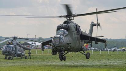 730 - Poland - Army Mil Mi-24V