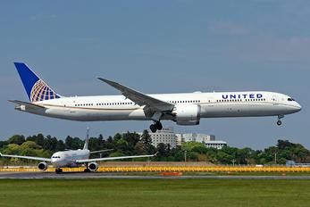 N14001 - United Airlines Boeing 787-10 Dreamliner