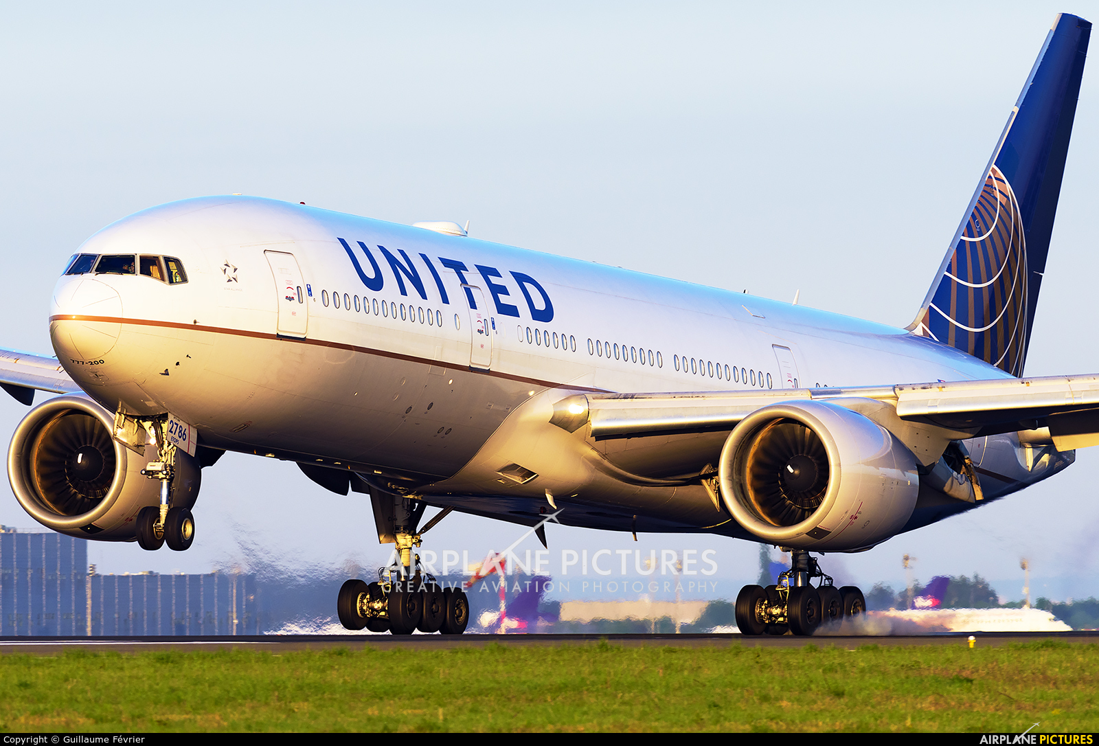 United Airlines N786UA aircraft at Paris - Charles de Gaulle
