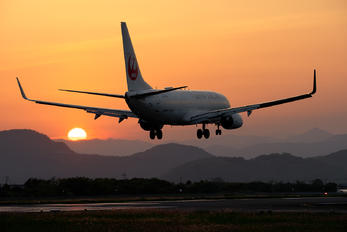 JA347J - JAL - Japan Airlines - Airport Overview - Photography Location