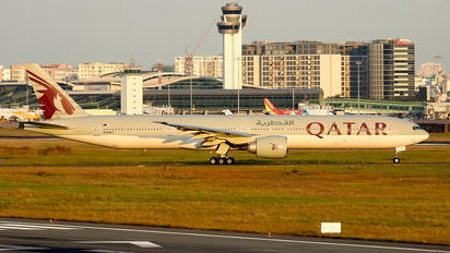 A7-BAV - Qatar Airways Boeing 777-300ER