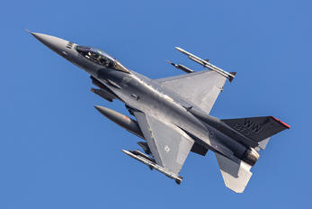 92-3913 - USA - Air Force Lockheed Martin F-16CJ Fighting Falcon