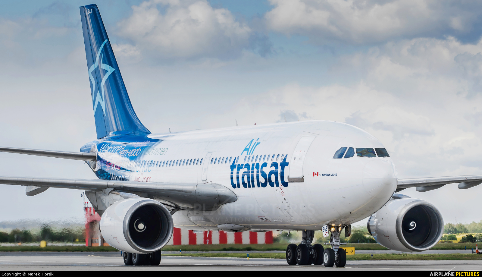 Air Transat C-GTSH aircraft at Prague - Václav Havel