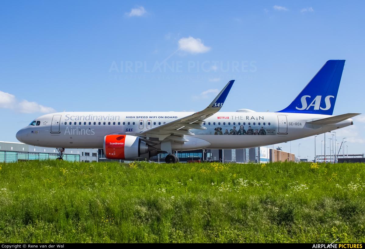 SAS - Scandinavian Airlines SE-ROA aircraft at Amsterdam - Schiphol
