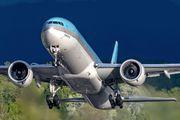 HL7203 - Korean Air Boeing 777-300ER aircraft