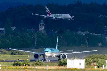 A6-EOL - - Airport Overview - Airport Overview - Runway, Taxiway