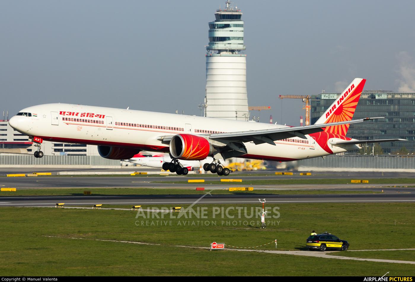 Air India VT-ALN aircraft at Vienna - Schwechat