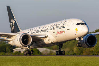 ET-ATG - Ethiopian Airlines Boeing 787-8 Dreamliner
