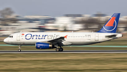 TC-OBG - Onur Air Airbus A320