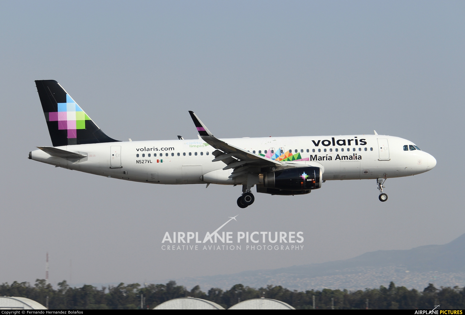 N527VL - Volaris Costa Rica Airbus A320 at Mexico City