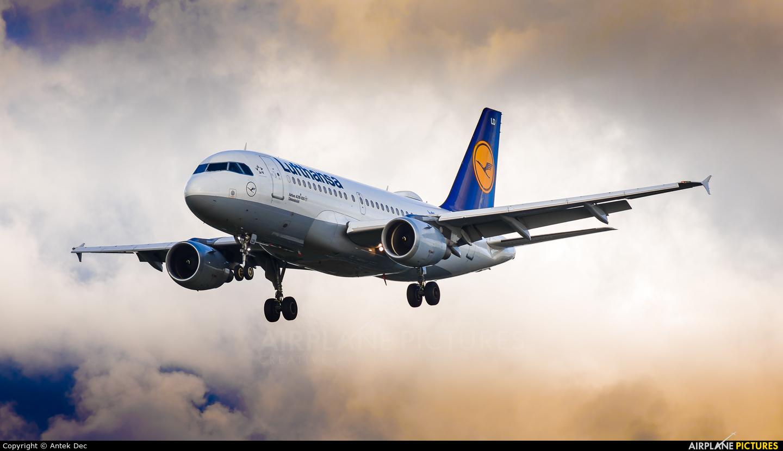 Lufthansa D-AILD aircraft at Amsterdam - Schiphol