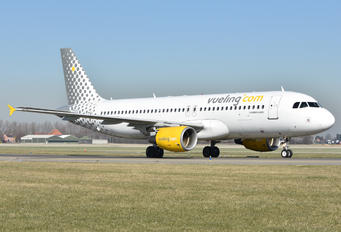 EC-MBD - Vueling Airlines Airbus A320