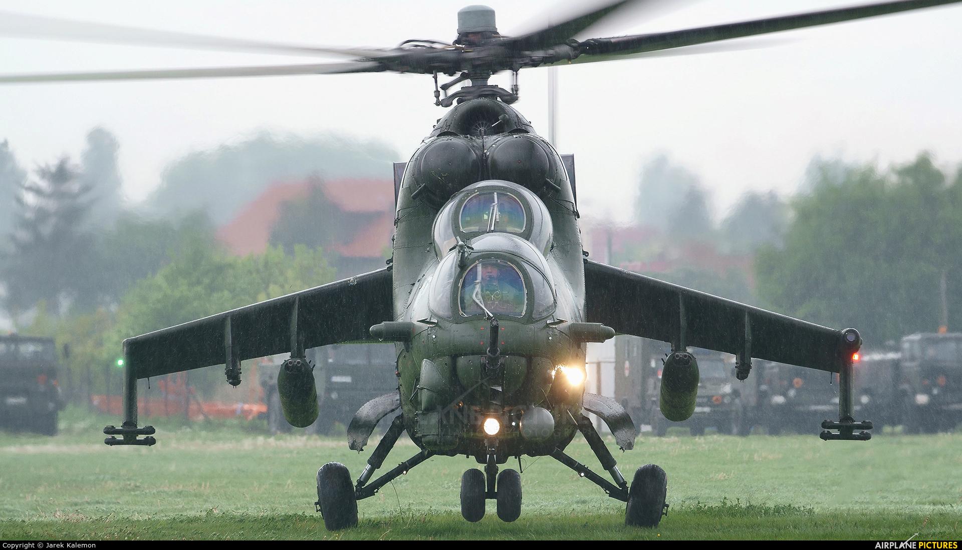 Poland - Army 732 aircraft at Inowrocław