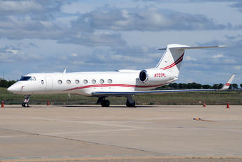 N750PL - Private Gulfstream Aerospace G-V, G-V-SP, G500, G550