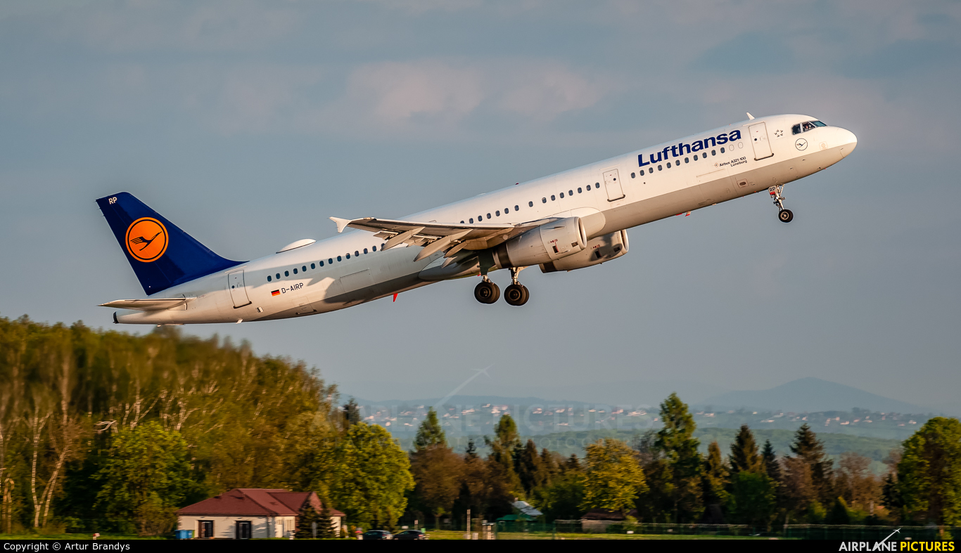 Lufthansa D-AIRP aircraft at Kraków - John Paul II Intl