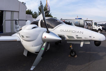 XA-UYP - Diamond Aircraft Industries Diamond DA 42 M-NG Guardian