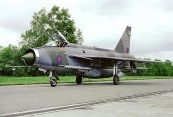XS901 - Royal Air Force English Electric Lightning F.6