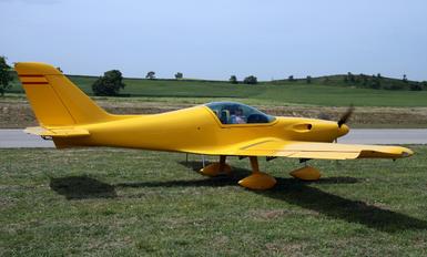 - - Private Corvus CA-21 Phantom