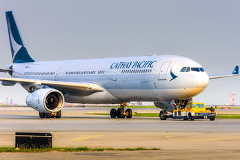 B-LAN - Cathay Pacific Airbus A330-300