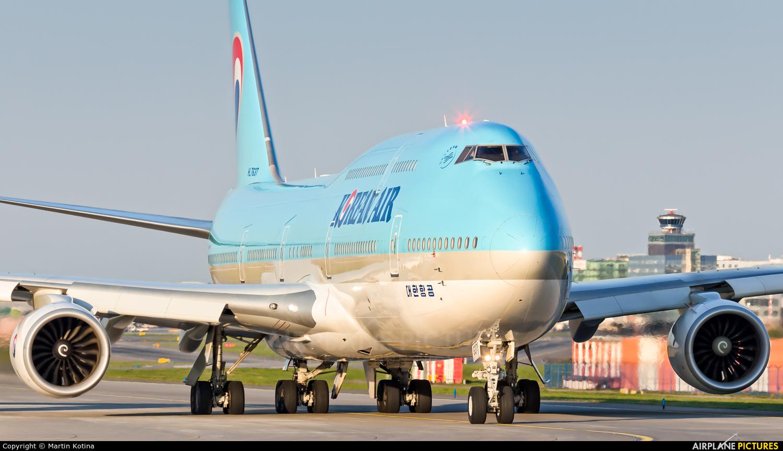 Korean Air HL7637 aircraft at Prague - Václav Havel