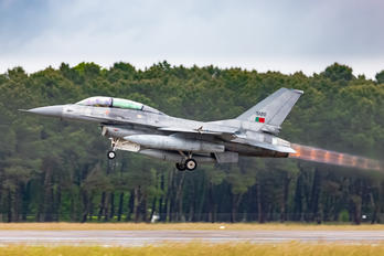 15120 - Portugal - Air Force General Dynamics F-16BM Fighting Falcon