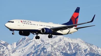 N377DE - Delta Air Lines Boeing 737-800