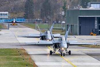 J-5014 - - Airport Overview McDonnell Douglas F/A-18C Hornet