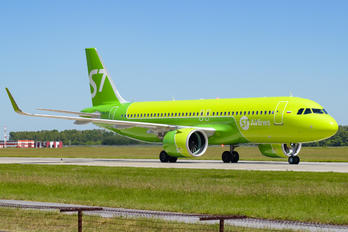 VQ-BCR - S7 Airlines Airbus A320 NEO
