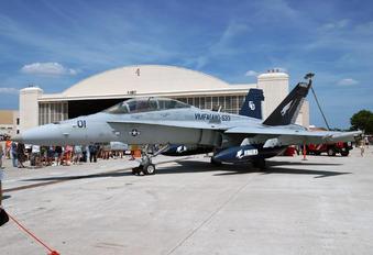 164959 - USA - Marine Corps McDonnell Douglas F-18D Hornet