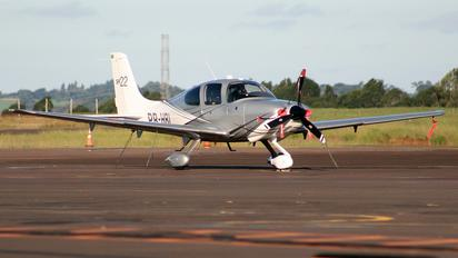 - - Private Cirrus SR22