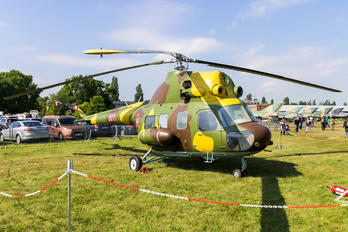 8911 - Hungary - Air Force Mil Mi-2