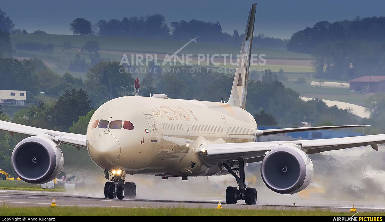 Etihad Airways A6-BLR aircraft at Zurich