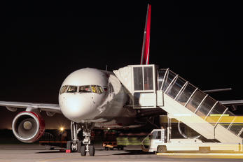 VP-BOO - Royal Flight Boeing 757-200
