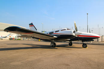 G-JDBC - Private Piper PA-34 Seneca
