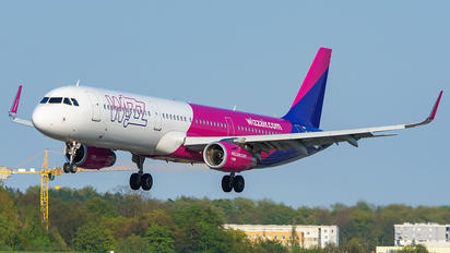 HA-LXR - Wizz Air Airbus A321