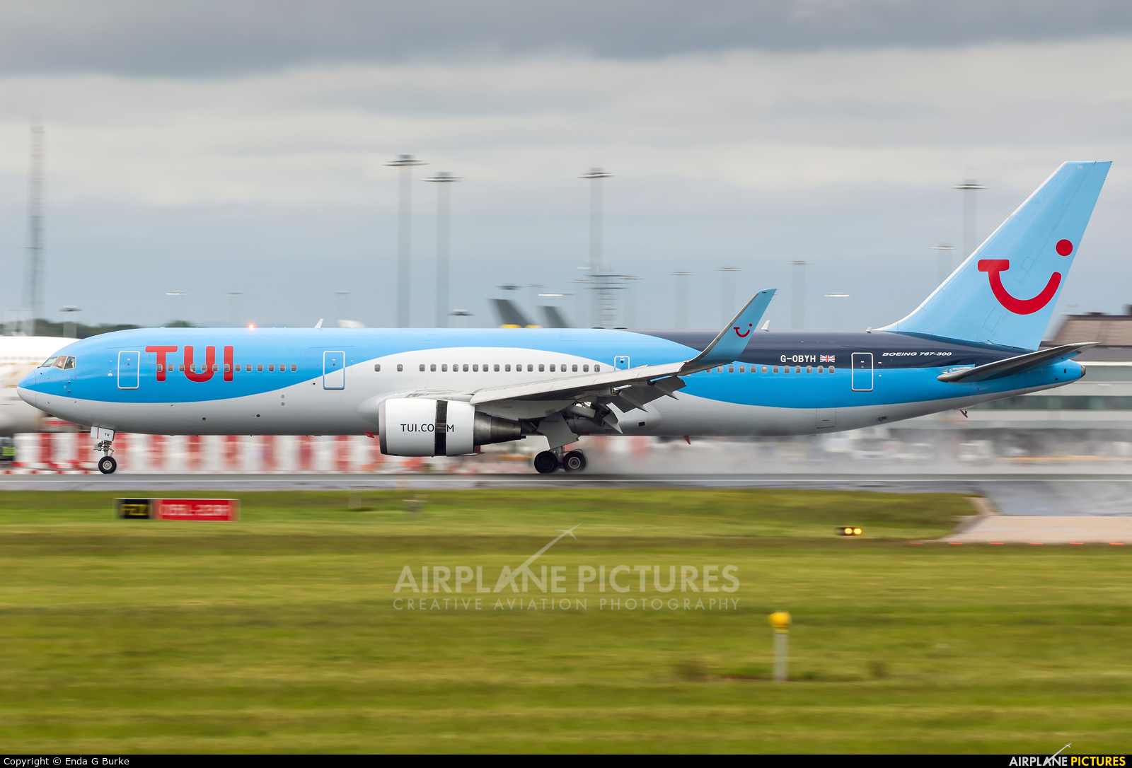 TUI Airways G-OBYH aircraft at Manchester