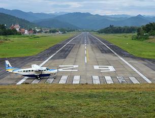 - -  Cessna 208B Grand Caravan