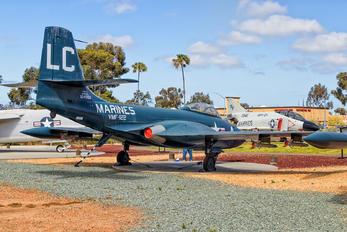 124988 - USA - Marine Corps McDonnell F2H-2 Banshee