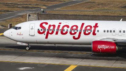 VT-SLD - SpiceJet Boeing 737-900