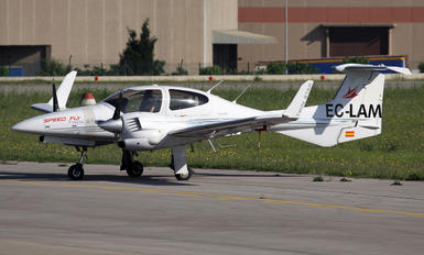 EC-LAM - Private Diamond DA 42 Twin Star