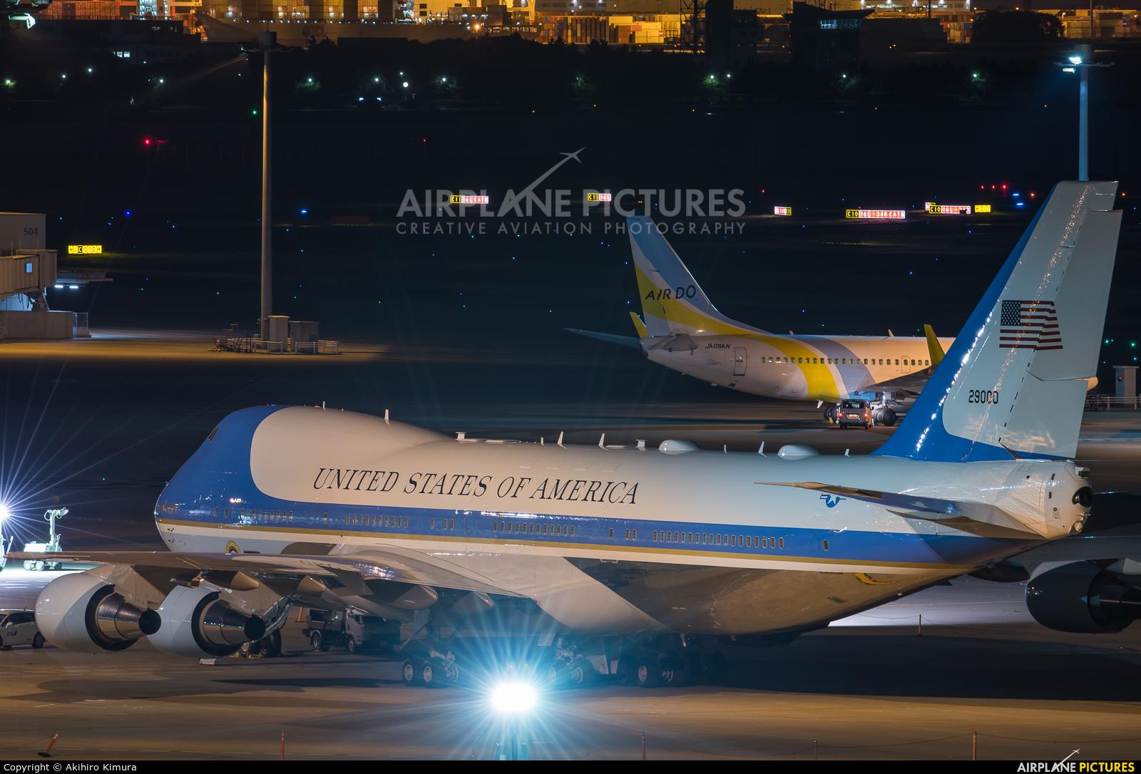 USA - Air Force 92-9000 aircraft at Tokyo - Haneda Intl