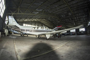 HA-BEJ - Private Beechcraft 58 Baron