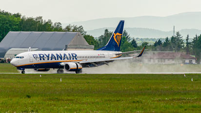 SP-RSE - Ryanair Sun Boeing 737-8AS