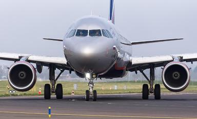 VP-BJX - Aeroflot Airbus A321