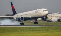 N826MH - Delta Air Lines Boeing 767-400ER aircraft