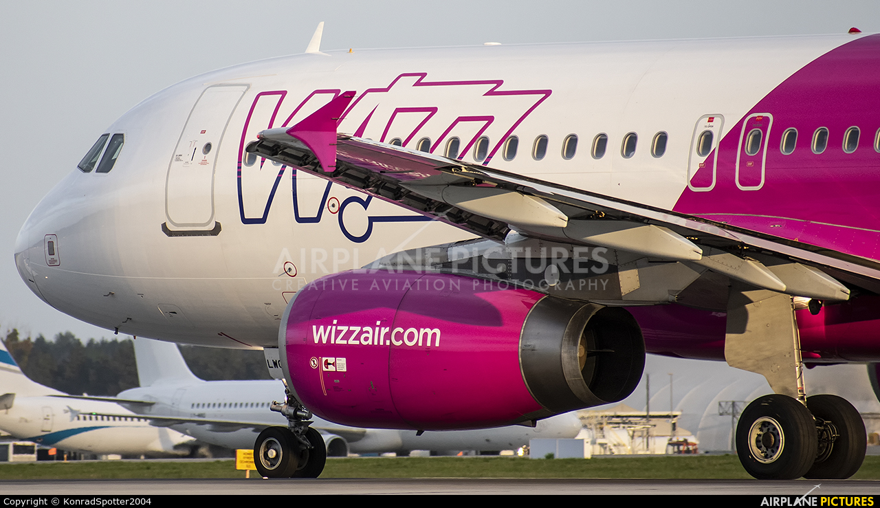 Wizz Air HA-LWC aircraft at Katowice - Pyrzowice