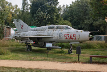 9349 - Poland - Air Force Mikoyan-Gurevich MiG-21UM
