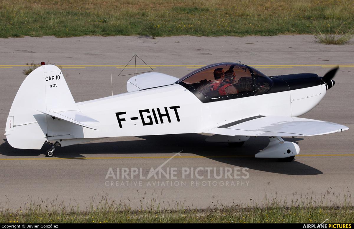 Private F-GIHT aircraft at Sabadell