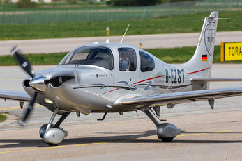D-EZST - Private Cirrus SR-22 -GTS