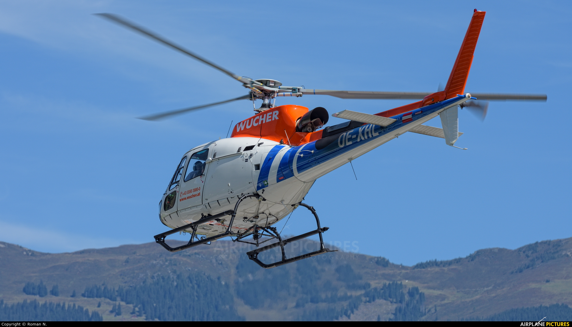 Wucher Helicopter OE-XHL aircraft at Zell am See